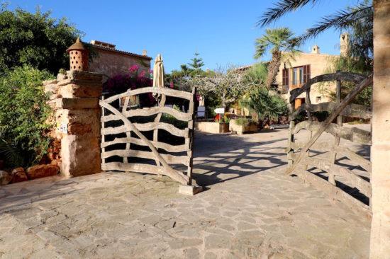 Sa Carrotja Mallorca ses salines boutique hotel organic food